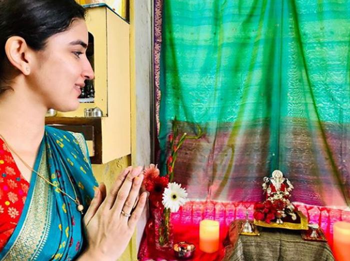 अभिनेत्री वैदेही परशुरामी हिच्या घरी बाप्पा झाले विराजमान