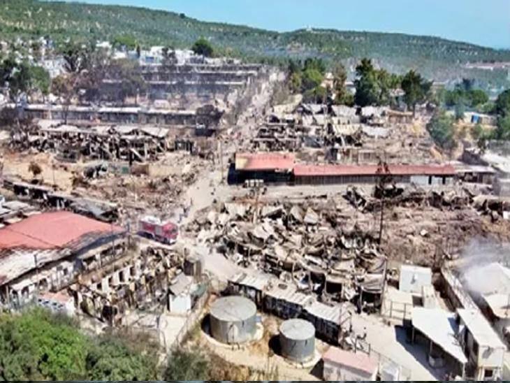 आगीत मोरिया छावणी पूर्णपणे खाक झाली. स्थलांतरित लॉकडाऊनच्या विरोधात निदर्शने करत होते. त्यांच्या चुकीने छावणीने पेट घेतला. छावणीत कोरोनाचे ३५ रुग्ण आहेत.