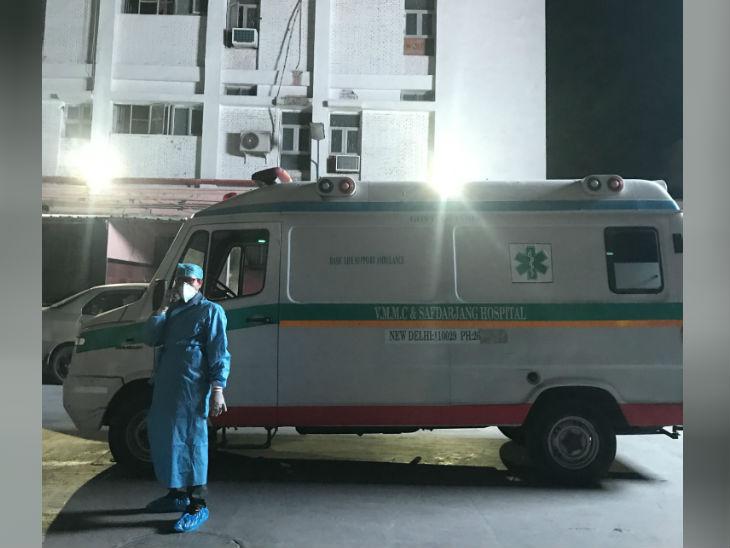 बलात्कार पीडित मुलीला दिल्लीतील सफदरजंग रुग्णालयात हलवण्यात आले होते.