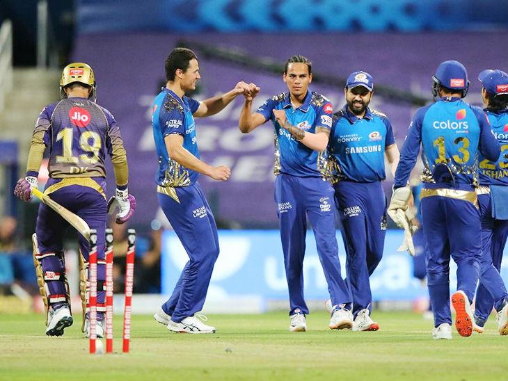 मुंबईच्या राहुल चहरने 2 बॉलवर केकेआरच्या 2 फलंदाजांना बाद केले.