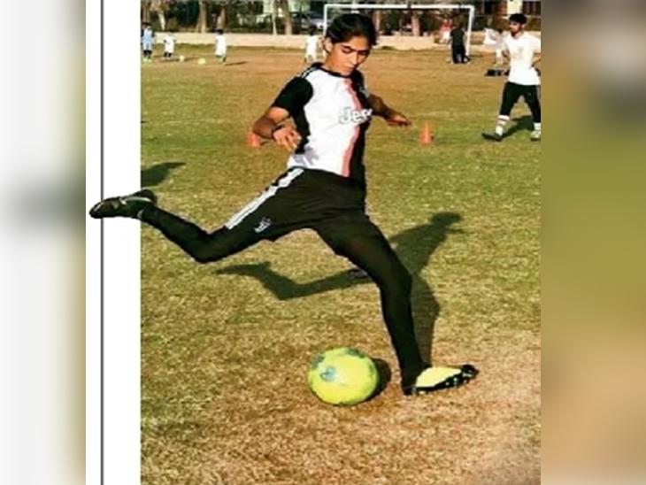 महिला फुटबॉल संघाची प्रशिक्षक नादिया. - Divya Marathi