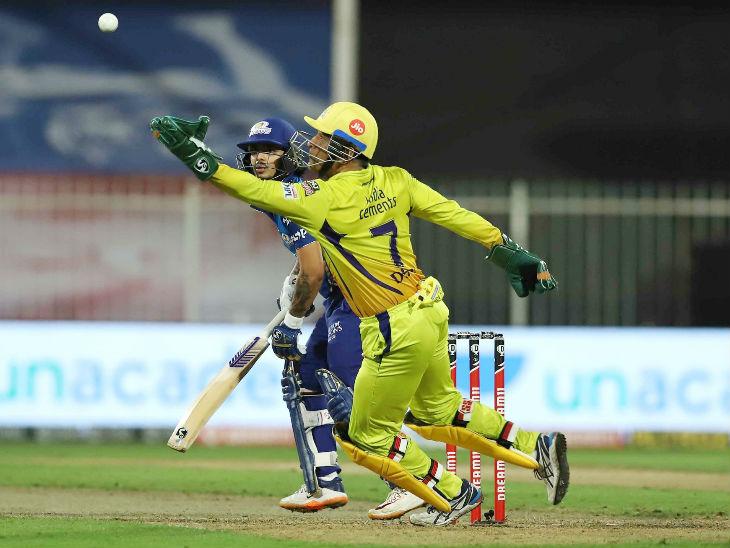 मुंबई संघाने १२.२ षटकांत सामना जिंकून गत उपविजेत्या चेन्नई सुपरकिंग्ज टीमला प्ले आॅफच्या शर्यतीतून बाहेरचा रस्ता दाखवला.
