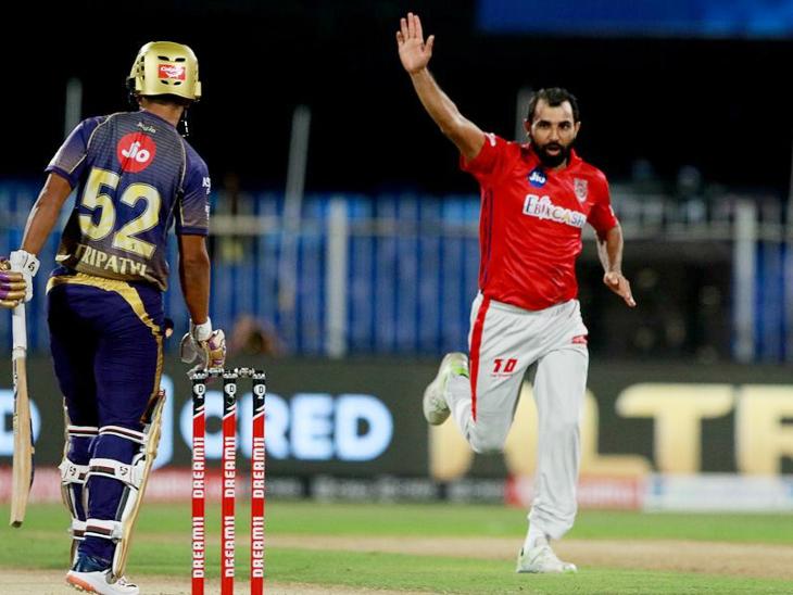 पंजाबचा वेगवान गोलंदाज मोहम्मद शमीने 4 षटकांत 35 धावा देऊन 3 गडी बाद केले. त्याने एकाच षटकात राहुल त्रिपाठी आणि दिनेश कार्तिकला बाद केले.