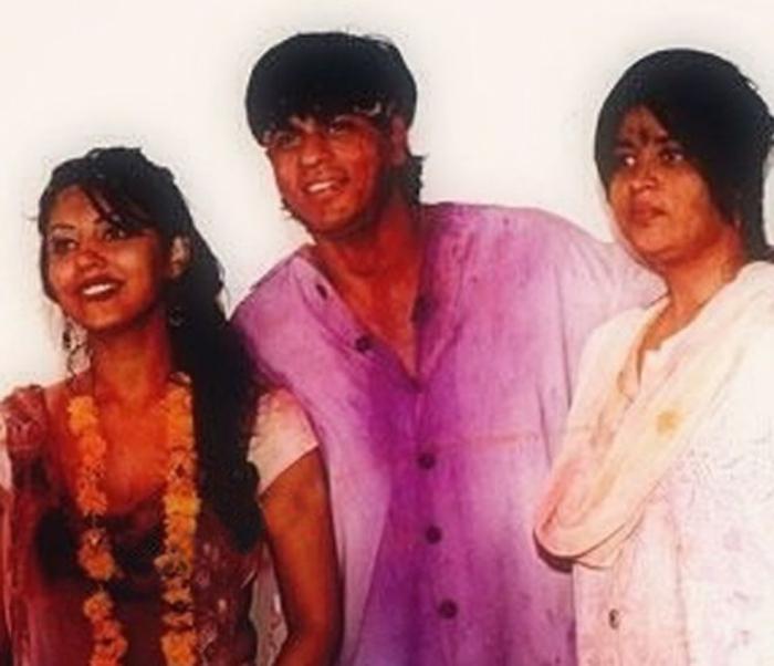 शाहरुख आणि गौरीसोबत शहनाज - फाइल फोटो
