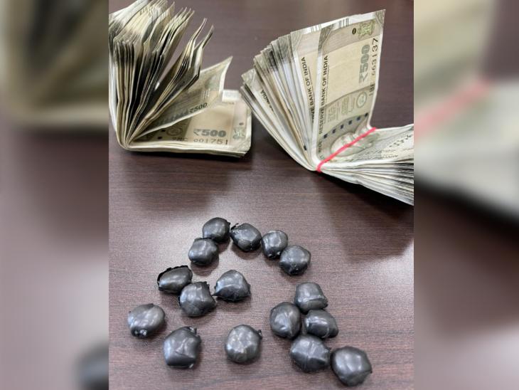 आरोपींकडून जप्त करण्यात आलेले पैसे आणि ड्रग्ज