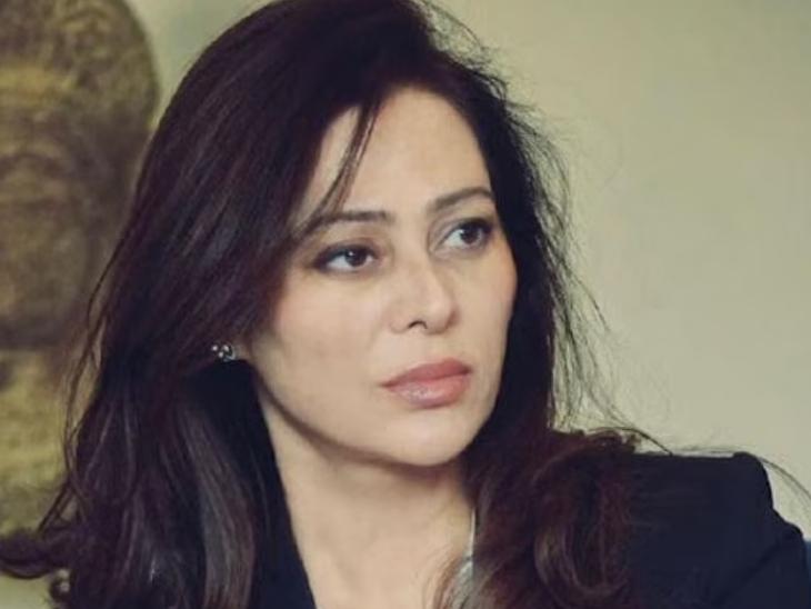 1994 मध्ये मिस इंडिया फायनलिस्ट राहिलेल्या कोमल रामपाल माजी एअरहोस्टेस आणि स्पा कंसल्टंट आहेत.