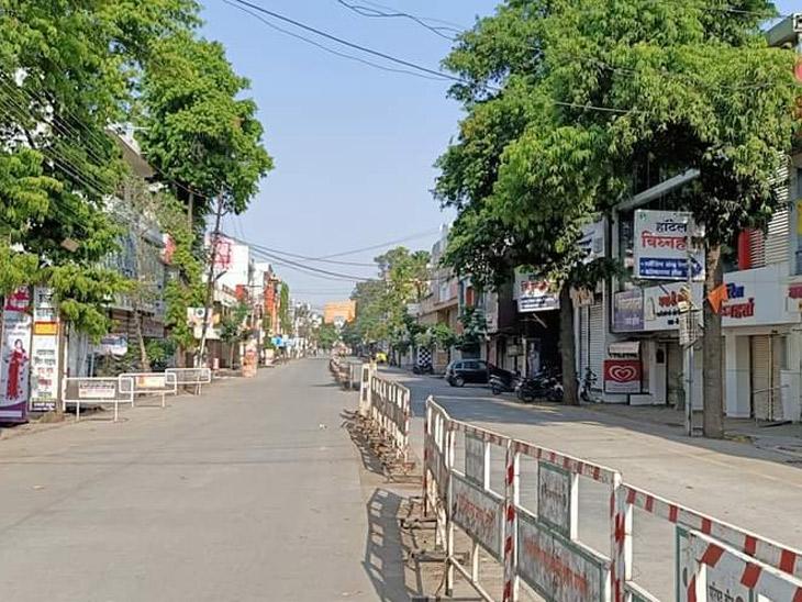 बीड शहरातील अण्णाभाऊ साठे चौकातील सुभाष रोडवरील छायाचित्र  (फाईल फोटो) - Divya Marathi