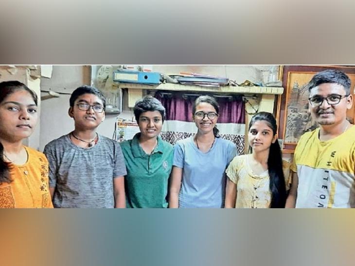 कोरोनाने आई-बाबा, काका-काकूंसह सहा जणांचा घेतला बळी; दु:ख मागे सारत पुन्हा उमेदीने उभे राहिले सहा भिडू|जळगाव,Jalgaon - Divya Marathi