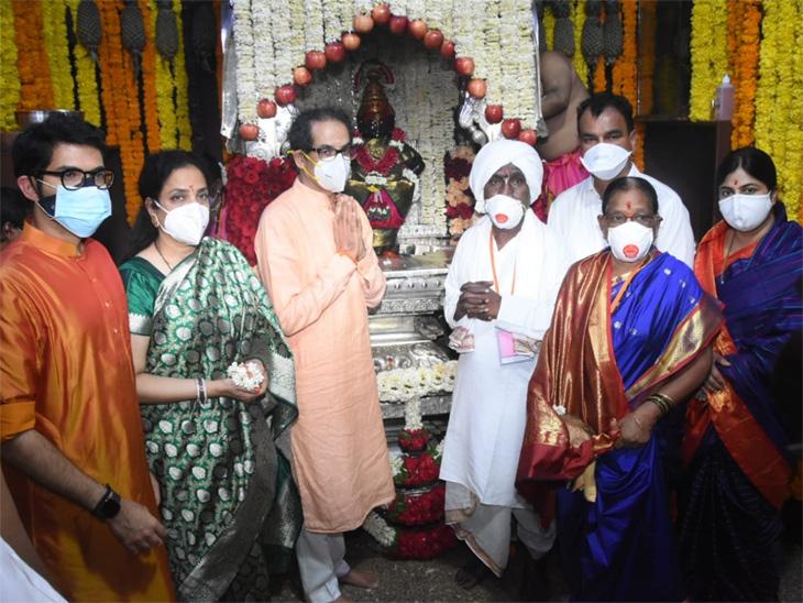पंढरपुरात पुन्हा एकदा भक्तीसागर भरु दे, जनतेला आनंदी आणि निरोगी आयुष्य जगू दे; मुख्यमंत्री उद्धव ठाकरे यांनी घातले पांडुरंगाच्या चरणी साकडे सोलापूर,Solapur - Divya Marathi