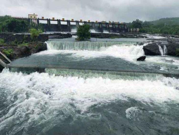 खडकवासला धरणातून 2466 क्युसेक वेगाने विसर्ग सुरू, धरण 88 टक्के भरले; नदीकाठच्या नागरिकांना सतर्कतेचा इशारा|पुणे,Pune - Divya Marathi