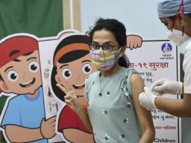 महाराष्ट्राचा नवा विक्रम, राज्यात लसीचे दोन्ही डोस घेतलेल्यांची संख्या एक कोटींवर; आरोग्य विभागाचे मुख्यमंत्र्यांकडून कौतुक मुंबई,Mumbai - Divya Marathi