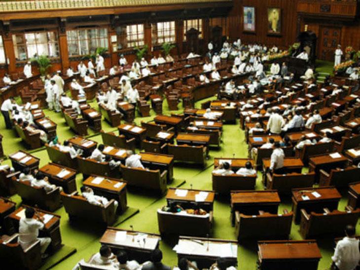 कामकाज सुरु होताच सभागृहात जोरदार गदारोळ, लोकसभा आणि राज्यसभा आज दुसऱ्यांदा करण्यात आली तहकूब; ट्रॅक्टर चालवत संसदेत पोहोचले राहुल गांधी देश,National - Divya Marathi