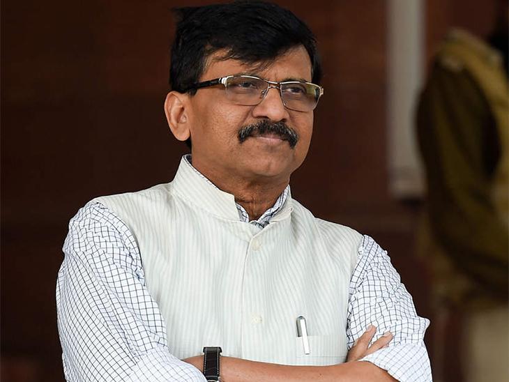 राज्यात सरकार, मुख्यमंत्री असतानाही 'आमचा बाप दिल्लीचा' म्हणणाऱ्यांनी महाराष्ट्रासाठी हजार कोटींचा चेक घेऊन यावा; शिवसेनेचे घणाघात मुंबई,Mumbai - Divya Marathi