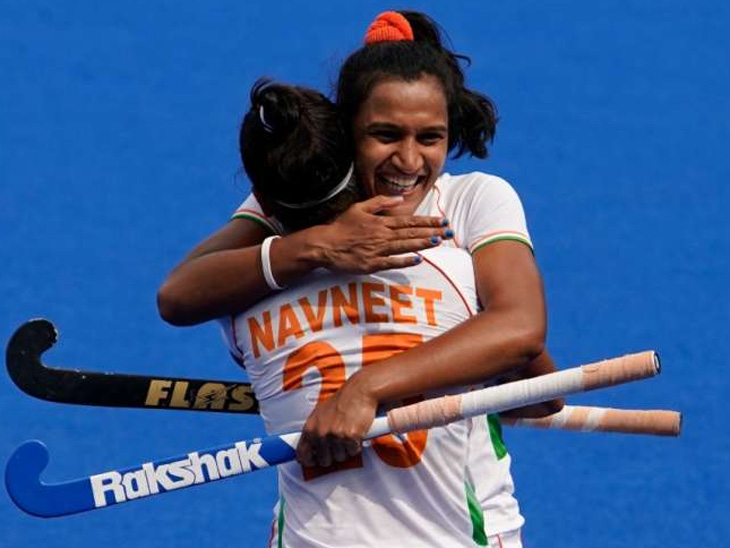 भारताने दक्षिण आफ्रिकेविरुद्ध 4-3 ने विजय मिळवला, पदकाची आशा कायम; ऑलिम्पिक महिला हॉकीमध्ये हॅट्ट्रिक मारणारी वंदना पहिली भारतीय स्पोर्ट्स,Sports - Divya Marathi