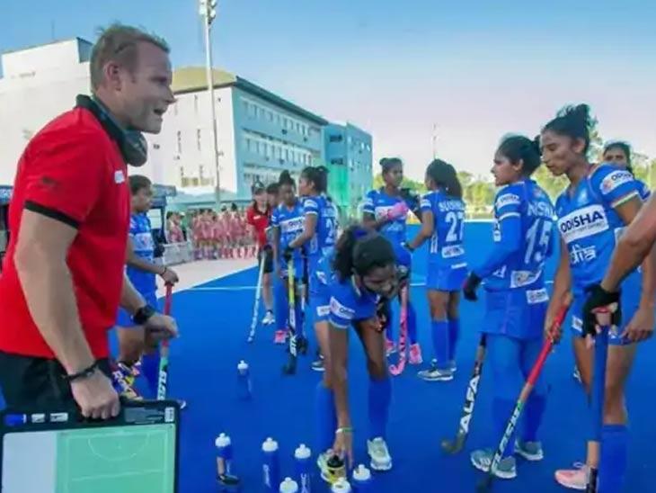 मारिजने 2017 पासून भारतीय महिला हॉकी संघाचे प्रशिक्षक आहेत.