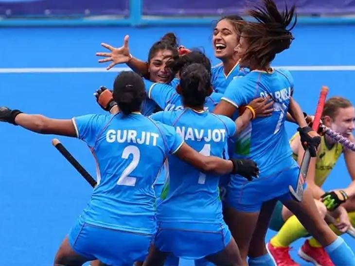 ऑस्ट्रेलियाविरुद्ध गोल केल्यानंतर भारतीय संघातील खेळाडू