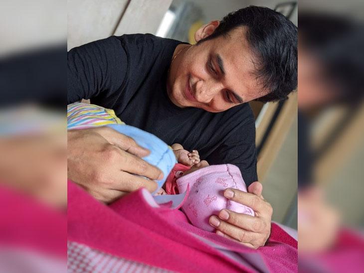 अभिनेता संकर्षण क-हाडे झाला जुळ्या मुलांचा बाबा, सोशल मीडियावर पोस्ट शेअर करत सांगितली मुलांची नावे|मराठी सिनेकट्टा,Marathi Cinema - Divya Marathi