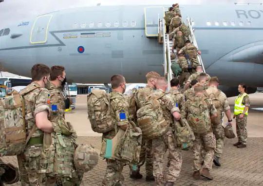 अफगाणिस्तानात अडकलेल्या ब्रिटिशांची सुटका करण्यासाठी ब्रिटिश सैन्याची एक तुकडी लंडनहून काबूलला रवाना झाली.