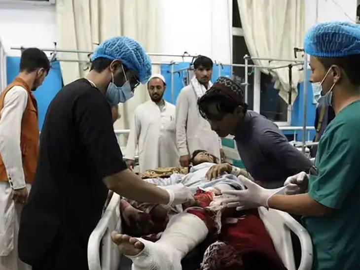 स्फोटात अनेकांनी हात पायही गमावले. एका रुग्णालयात उपचार करत असताना डॉक्टर