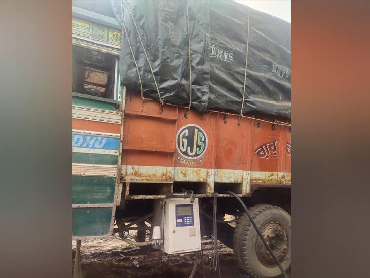 ट्रकला मोजमापाची मशीन बसवून त्याद्वारे बायोडिझेल विक्री केली जात होती.