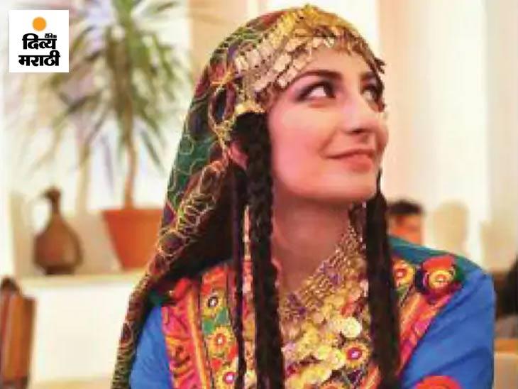 DW न्यूजमधील अफगाण सेवेचे प्रमुख वसलत हजरत नजीमी यांनी तिच्या फोटोसह लिहिले की, मी काबूलमध्ये पारंपारिक अफगाण कपडे घातले आहेत. ही अफगाण संस्कृती असून अफगाण स्त्रिया असेच कपडे घालतात.