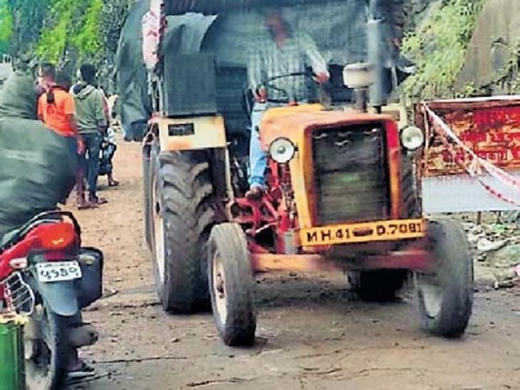 रस्ता दुरुस्तीनंतर कन्नड घाटातून लहान वाहनांची वाहतूक बुधवारपासून सुरू झाली. - Divya Marathi