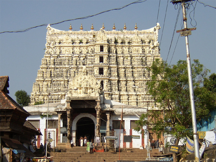 श्रीपद्मनाभस्वामी मंदिर आर्थिक अडचणीत, मंदिराच्या प्रशासकीय समितीने सुप्रीम कोर्टाला दिली माहिती देश,National - Divya Marathi