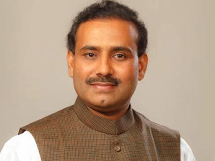 राज्यात लसीकरणाचा वेग वाढविण्यासाठी दर महिन्याला तीन कोटी कोविड लसींची आवश्यकता : आरोग्यमंत्री राजेश टोपे|महाराष्ट्र,Maharashtra - Divya Marathi