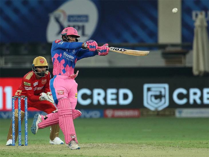 लिव्हिंगस्टोनने 97 मीटर दूर षटकार ठोकला आणि पुढच्या चेंडूवर तो बाद झाला, त्यानंतर गोलंदाज अर्शदीपने फ्लाईंग KISS देऊन निरोप दिला|स्पोर्ट्स,Sports - Divya Marathi