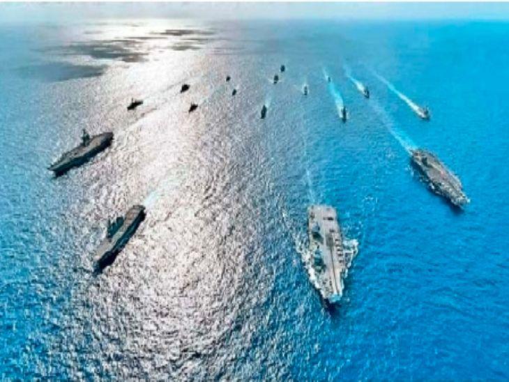 फिलिपाइन्स सागरात युद्धसराव करताना अमेरिका व मित्रदेशांच्या नौका. - Divya Marathi
