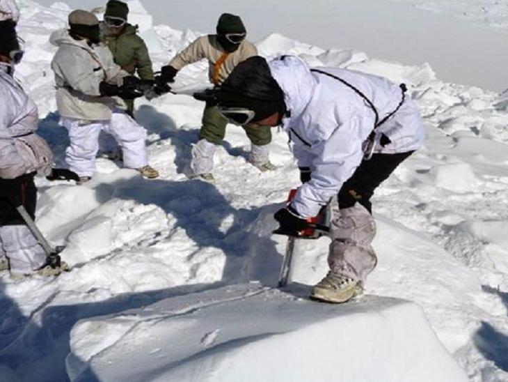 बर्फवृष्टी आणि खराब हवामानामुळे 17 गिर्यारोहक बेपत्ता झाले होते, हवाई दलाची शोध मोहीम सुरूच देश,National - Divya Marathi