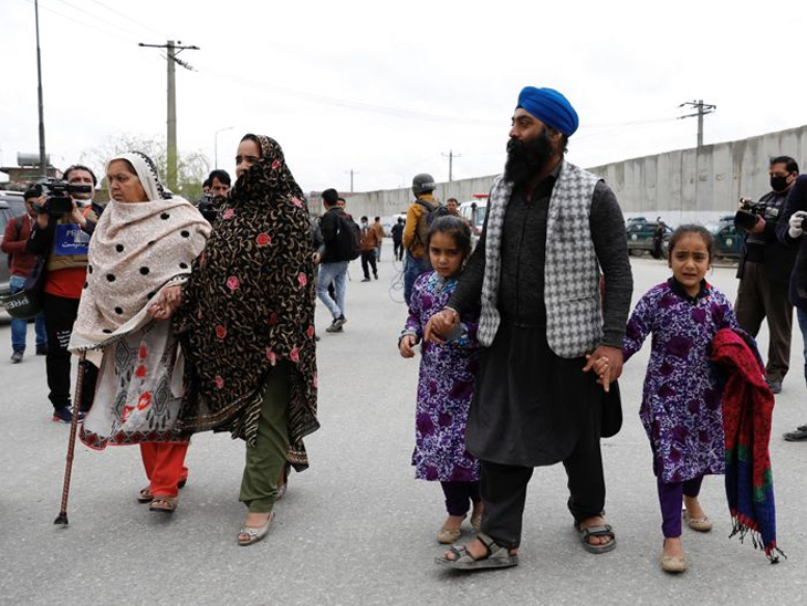 अफगाणिस्तानात शिखांसमोर आता दोनच पर्याय : देश सोडा किंवा इस्लाम स्वीकारा विदेश,International - Divya Marathi