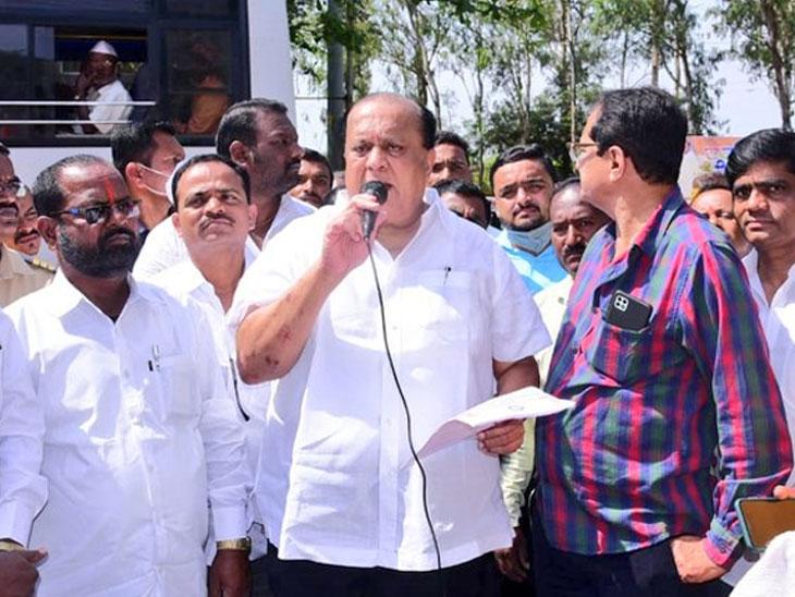 बांधकाम कामगारांना दिवाळीला बोनस जाहीर, कामगार कल्याण मंत्री हसन मुश्रीफ यांची माहिती महाराष्ट्र,Maharashtra - Divya Marathi