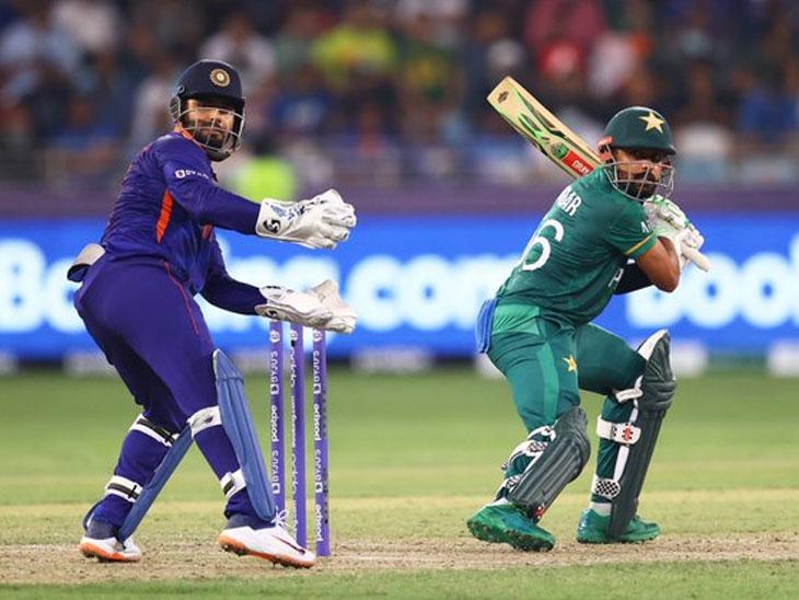 महामुकाबल्यात टीम इंडियाला मोठा धक्का, पाकिस्तानचा दमदार विजय; भारताचा 29 वर्षांतील विश्वचषकात पाकिस्तानकडून पहिलाच पराभव टी-20 वर्ल्ड कप,T20 World Cup - Divya Marathi