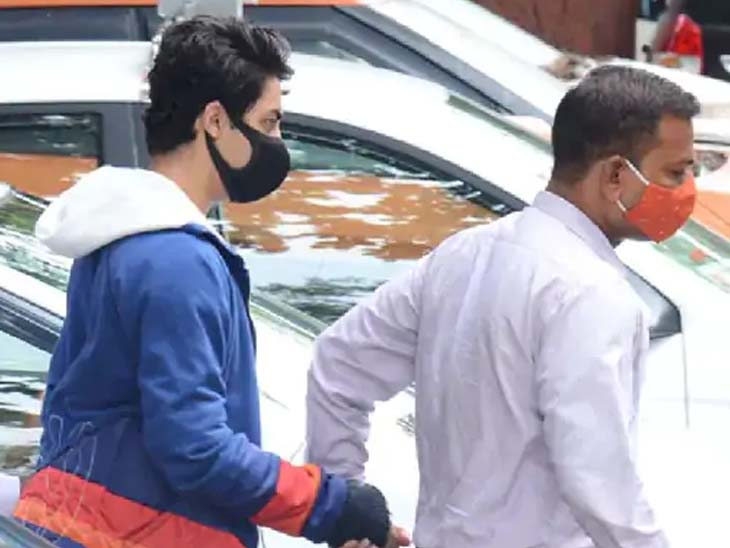 'किरण गोसावीने शाहरूख खानकडे केली होती 18 कोटींची मागणी, त्यातील 8 कोटी NCB अधिकाऱ्याच्या वाट्याला', गोसावीच्या बॉडीगार्डने दिल्ली धक्कादायक माहिती बॉलिवूड,Bollywood - Divya Marathi