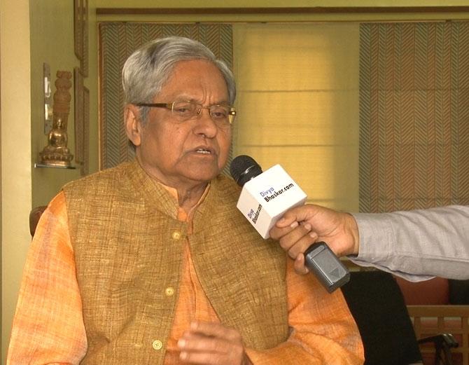 જાણીતા લેખક ગુણવંત શાહ - Divya Bhaskar