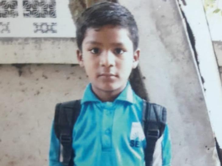 રાજકોટમાં અપહરણ બાદ 8 વર્ષના બાળકની હત્યા, પોલીસે કરી પાડોશીની અટકાયત ઈન્ડિયા,National - Divya Bhaskar