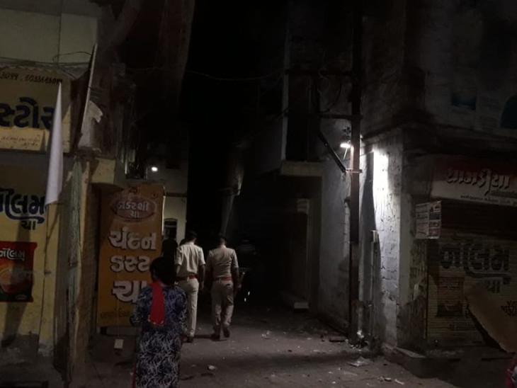 જૂનાગઢમાં રાત્રે બે જૂથ વચ્ચે સામ સામે 20થી વધુ રાઉન્ડ ગોળીબાર જુનાગઢ,Junagadh - Divya Bhaskar
