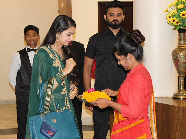 ગુજરાતી લોકગાયિકા કિંજલ દવે પર આબુમાં હુમલાનો પ્રયાસ, વીડિયો સોશિયલ મીડિયામાં વાયરલ પાલનપુર,Palanpur - Divya Bhaskar