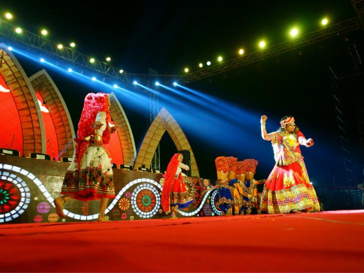 પંચમહોત્સવ 2018 કાર્યક્રમનો રંગે-ચંગે પ્રારંભ, દર્શન રાવલ અને કિંજલ દવેના ગીત પર લોકો ઝુમ્યાં  - Divya Bhaskar
