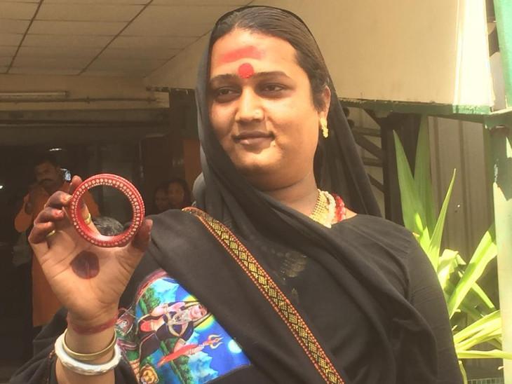 અમદાવાદ પૂર્વની બેઠક પર એક કિન્નરે ઉમેદવારી નોંધાવી, ચૂંટણી ચિન્હ બંગડી  - Divya Bhaskar
