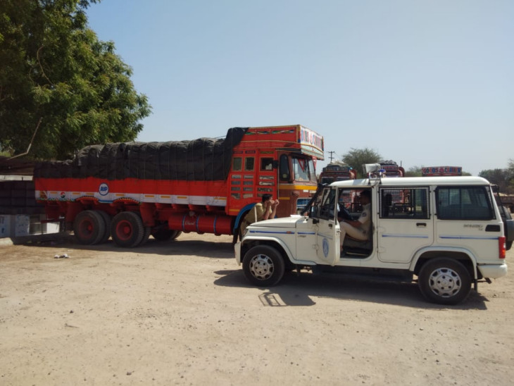 વડોદરા નજીક NH-48 પર ટ્રકમાંથી 9.50 લાખની કિંમતની 75 બેગ સોપારીની ચોરી  - Divya Bhaskar