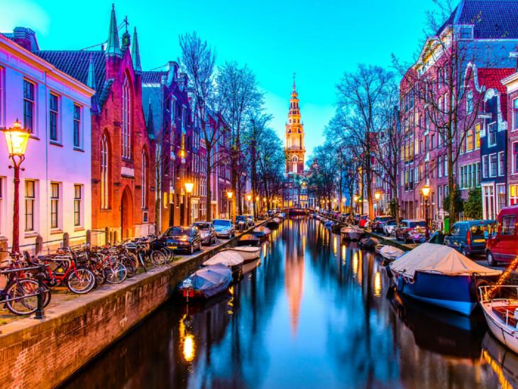 એમ્સ્ટરડેમમાં જરૂર કરતાં વધુ પ્રવાસીઓનું આગમન, પર્યટનની જાહેરાતો સરકારે બંધ કરી| - Divya Bhaskar