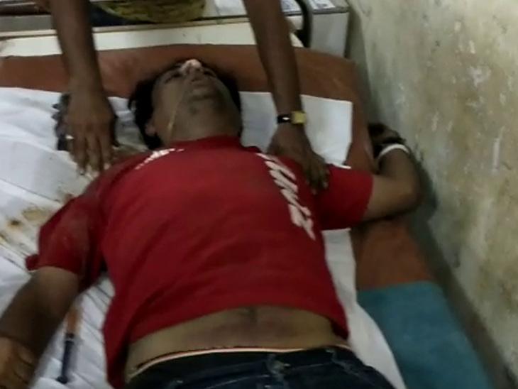 પોલીસનાં ત્રાસથી યુવકે ચોકીમાં જ દવા પીને આત્મહત્યાનો પ્રયાસ કરી ફેસબૂક પર LIVE કર્યું જામનગર,Jamnagar - Divya Bhaskar