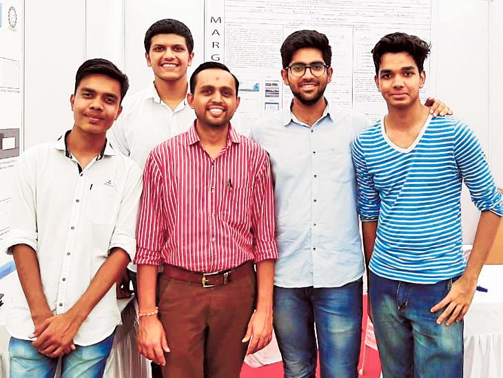 VGECના સ્ટુડન્ટસે વિકસાવી માર્ગ સહાયક સિસ્ટમ, રોડ ઉપરના ખાડા અને ભૂવાની માહિતી અધિકારીને પહોંચી જશે| - Divya Bhaskar