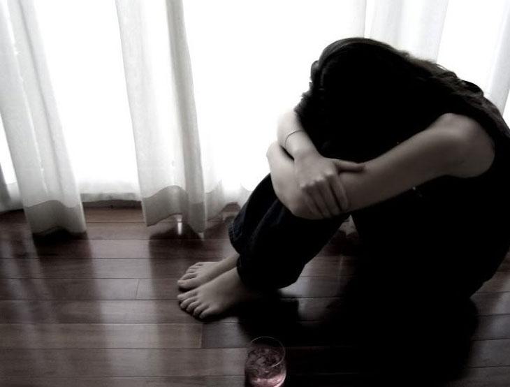 સજાતીય સંબંધ ધરાવતી યુવતીને ડિપ્રેશનમાં આવી  - Divya Bhaskar