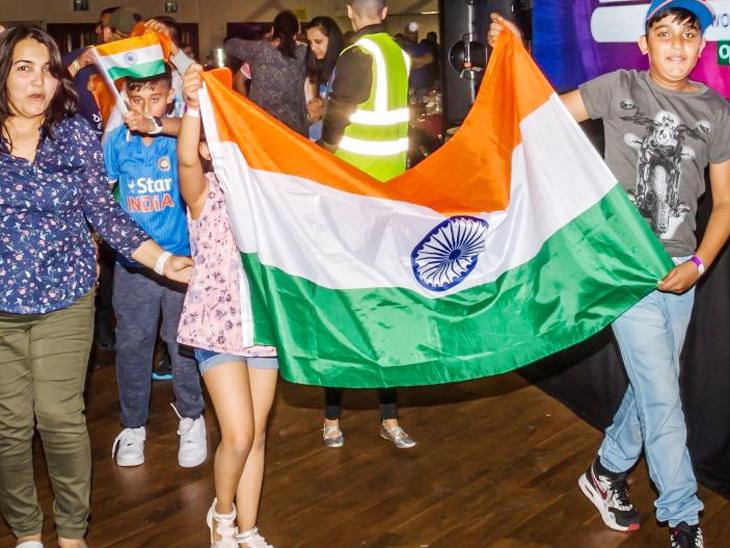 લંડનના હેરોમાં 1500 ગુજરાતીઓની જમાવટ, ટીમ ઈન્ડિયાને ચીયર-અપ કર્યું| - Divya Bhaskar