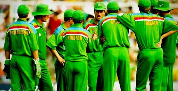 રંગભેદની નીતિને કારણે ICCએ દક્ષિણ આફ્રિકાની ટીમ પર 22 વર્ષ સુધી પ્રતિબંધ લગાવ્યો હતો| - Divya Bhaskar