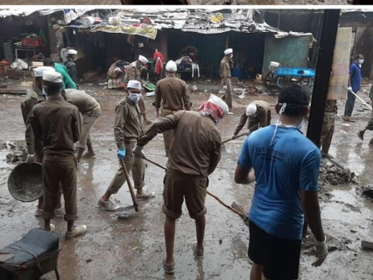 પૂરના પાણી ઓસરતા કોર્પોરેશન દ્વારા ઘનિષ્ઠ સફાઇ ઝુંબેશ શરૂ કરી દેવાઈ|ઈન્ડિયા,National - Divya Bhaskar