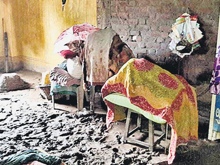 તિલકવાડાના પીછીપુરા ગામે ત્રણ તળાવ ફાટ્યા : 81 લોકોનું સ્થળાંતર|રાજપીપળા,Rajpipla - Divya Bhaskar